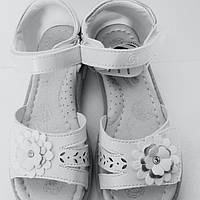 Босоножки для девочек белые ТМ Clibee.