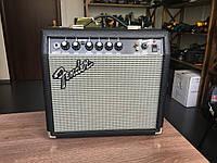 Комбопідсилювач Fender FRONTMAN 15G