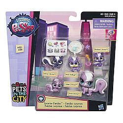 Игровой набор Семья СкунсовLittlest Pet ShopFamilies Mini Pet Pack (Skunks)
