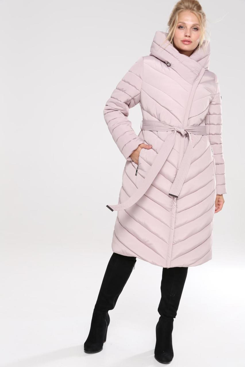 Стеганое женское пальто приталенного кроя