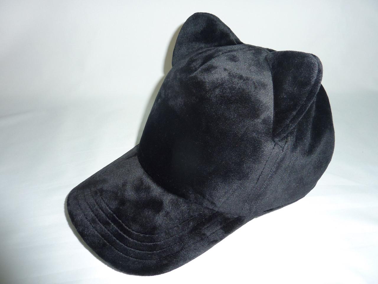 Велюровая кепка с ушками кошечка