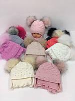 Детские утеплённые вязаные шапки c завязками, шарфом и двумя помпонами для девочек, р.44-46, Agbo (Польша)