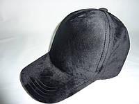 Велюровая кепка черная