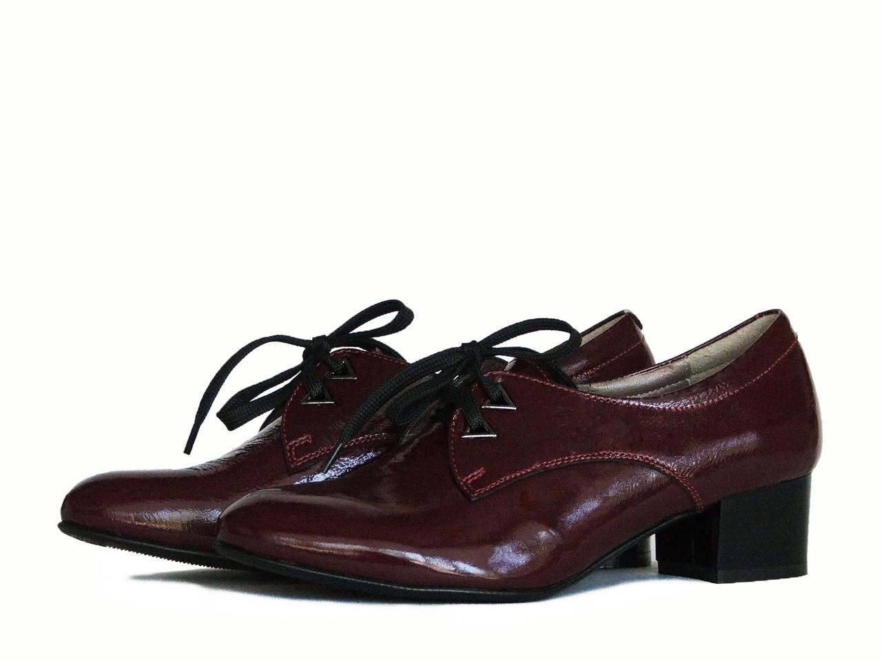 Кожаные туфли на шнуровке цвета бордо