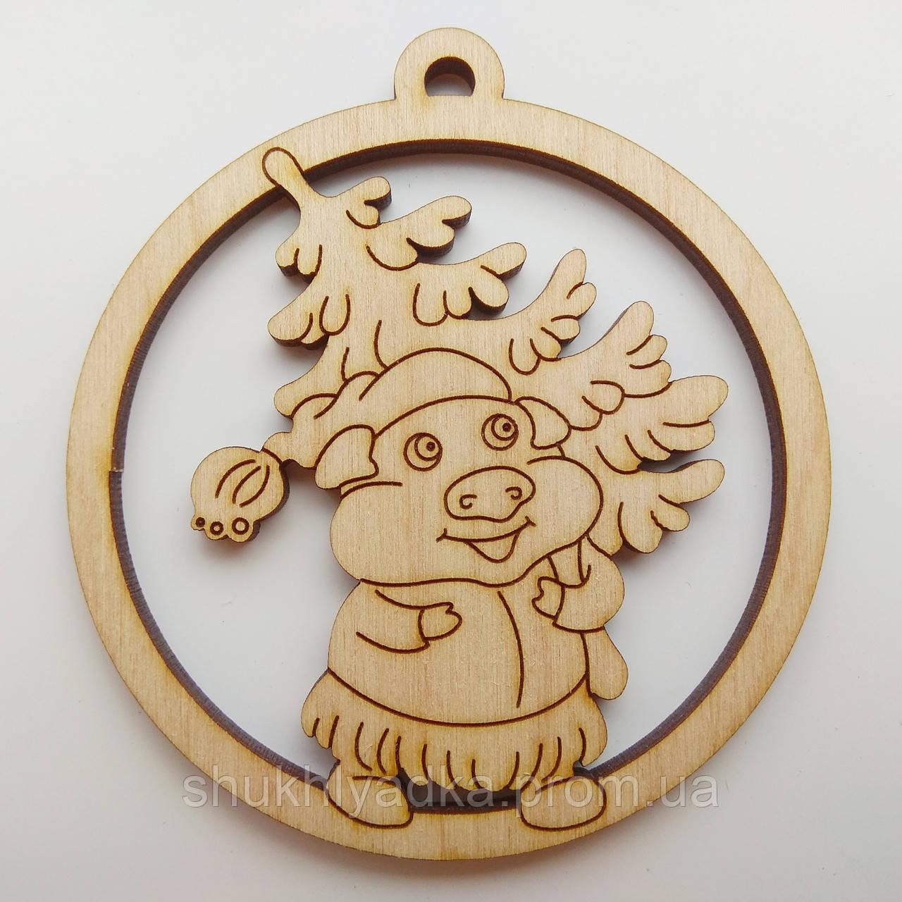 Свинка с елкой_круг_деревянная заготовка_Новый год