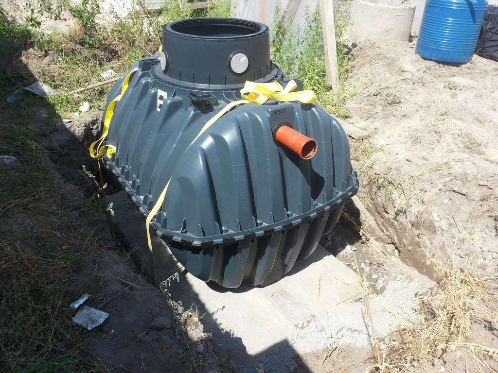 Монтаж систем автономной канализации.