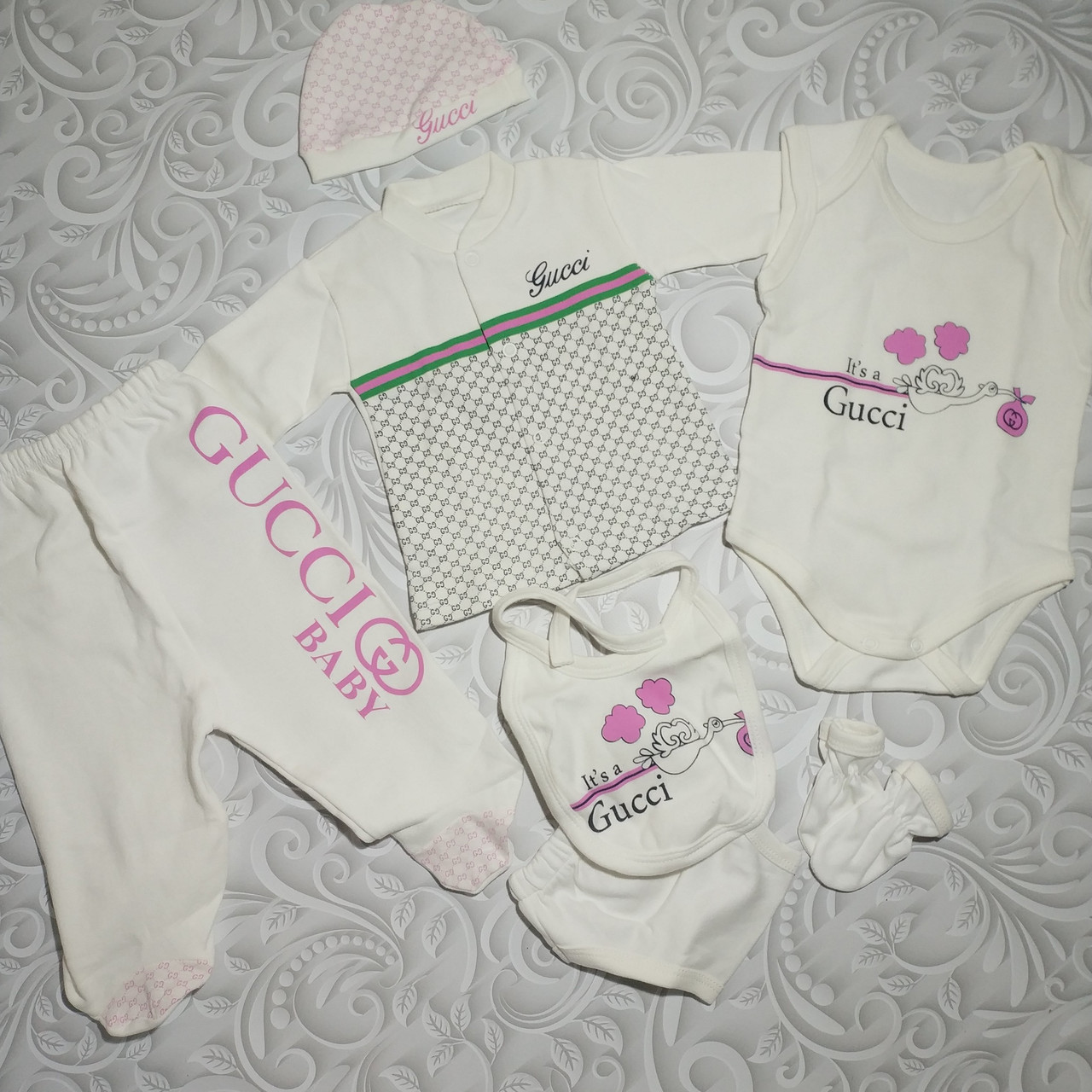 Набор для новорожденного Gucci baby, 7 предметов.