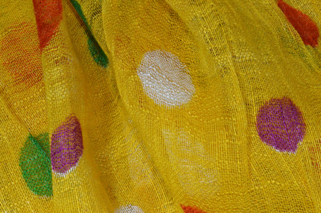 Желтый льняной шарф в горохи фото 2