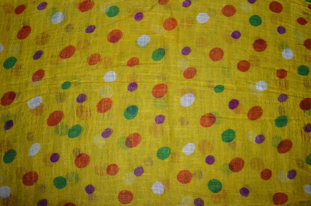 Желтый льняной шарф в горохи фото 3