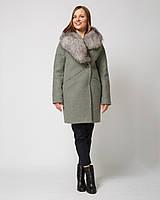 Очень теплое пальто со спущенными рукавами