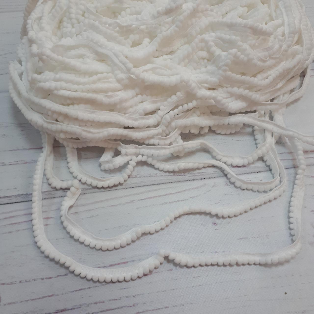 Тесьма с помпонами белая (5 мм)