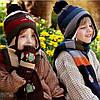 Детская вязаная шапка с темно-синим помпоном, фото 3