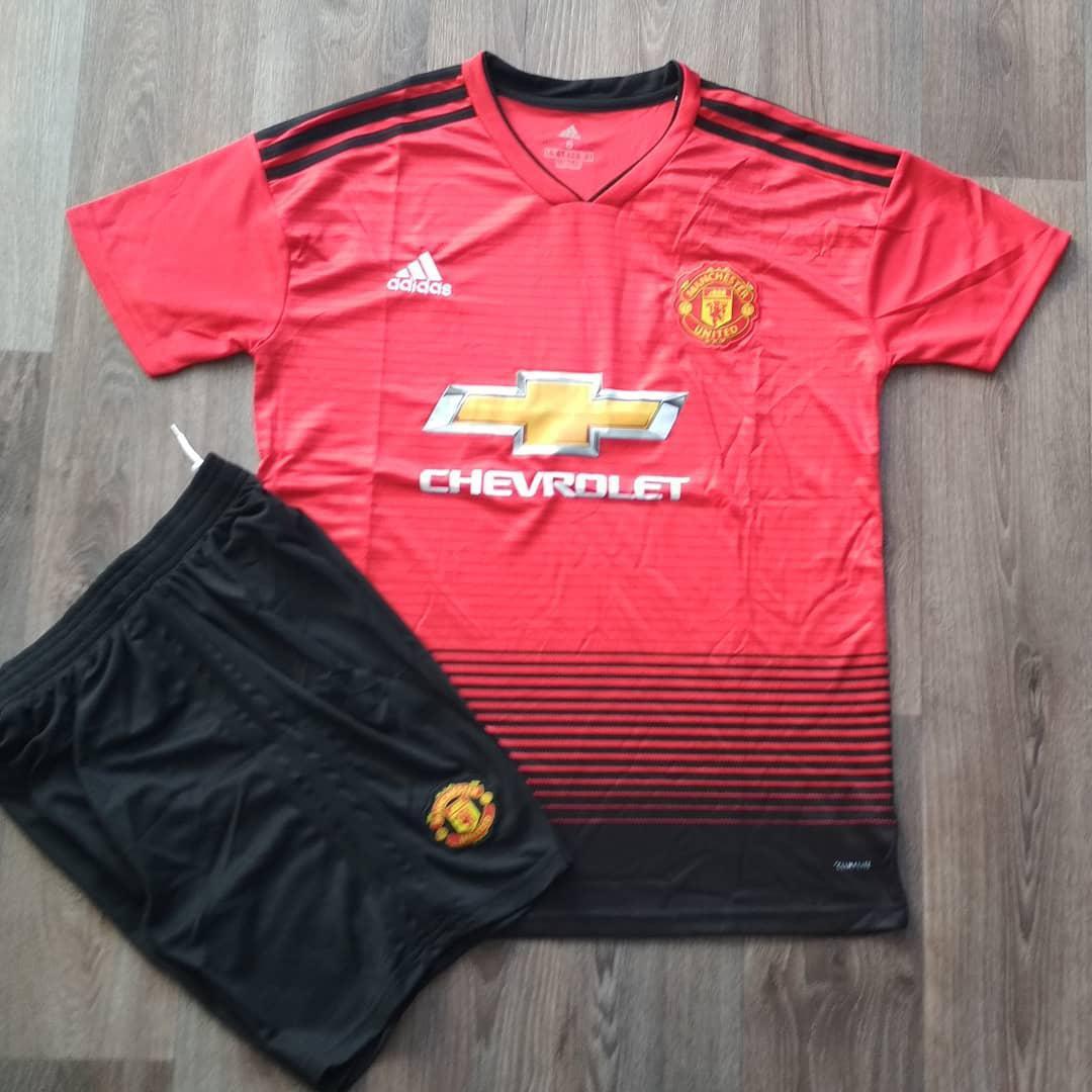 Футбольная форма детская Манчестер Юнайтед красная (сезон 2018-2019)