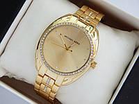Женские наручные часы Michael Kors золотого цвета, стразы вокруг циферблата и на браслете, фото 1