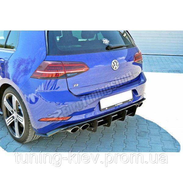 Центральная накладка заднего бампера VW GOLF MK7 R (рест.)