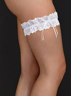 Белая подвязка на ногу для невесты С-127