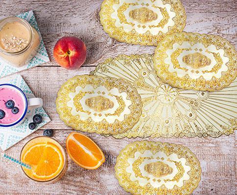 Овальная салфетка с золотым декором
