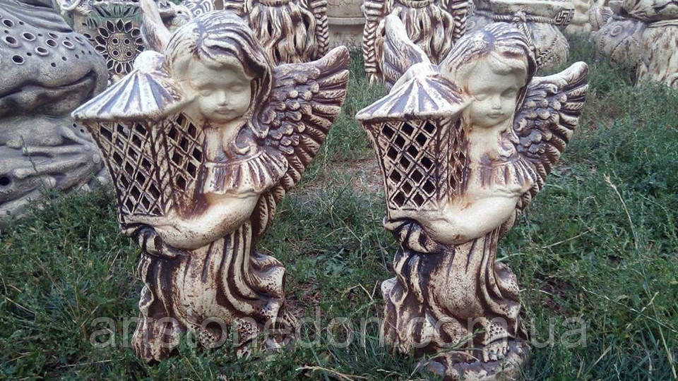 Фигура из керамики Ангел с фонарем