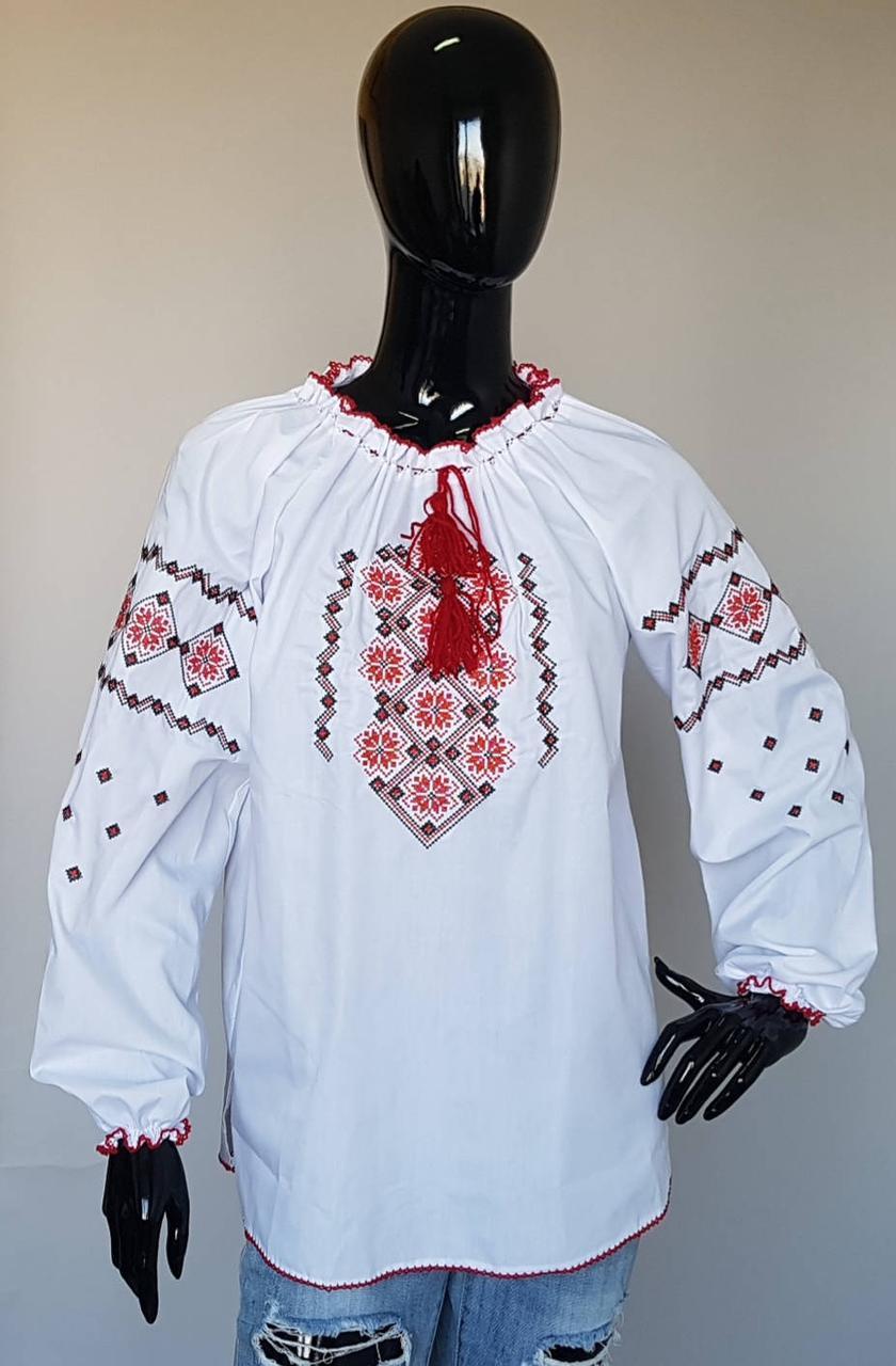 Украинская белая вышиванка  с красным орнаментом