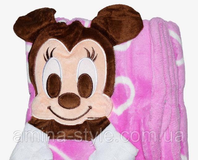 Детский плед Mickey с сердечками.