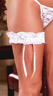 Кружевная белая подвязка на ногу с бантиками С-137