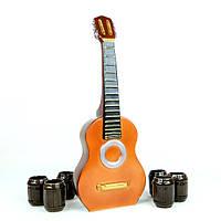 Акустическая гитара в виде бутылки с рюмками (223)