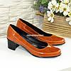 Женские комбинированные туфли на невысоком каблуке, цвет рыжий