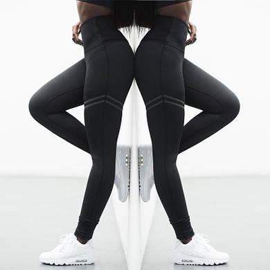 Черные леггинсы для спортзала