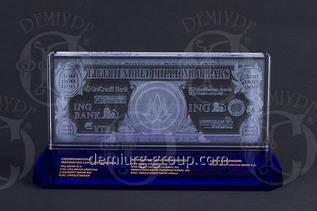 Эксклюзивный сувенир из прозрачного и цветного стекла