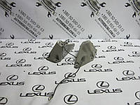 Правая лапа двигателя lexus ls430