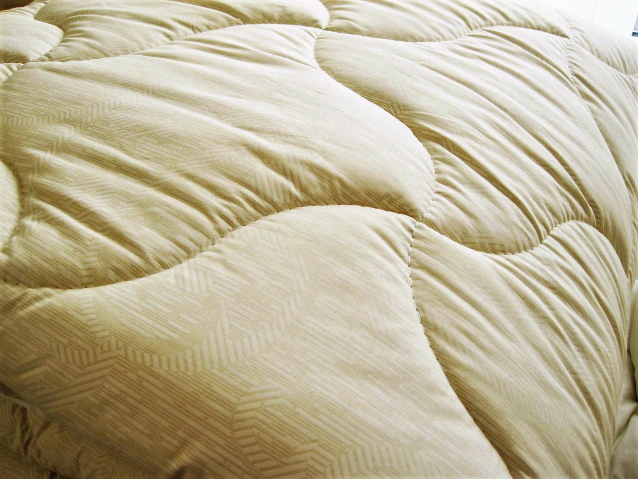 Теплое одеяло двуспальное Евро 200*210 (холофайбер, хлопок)