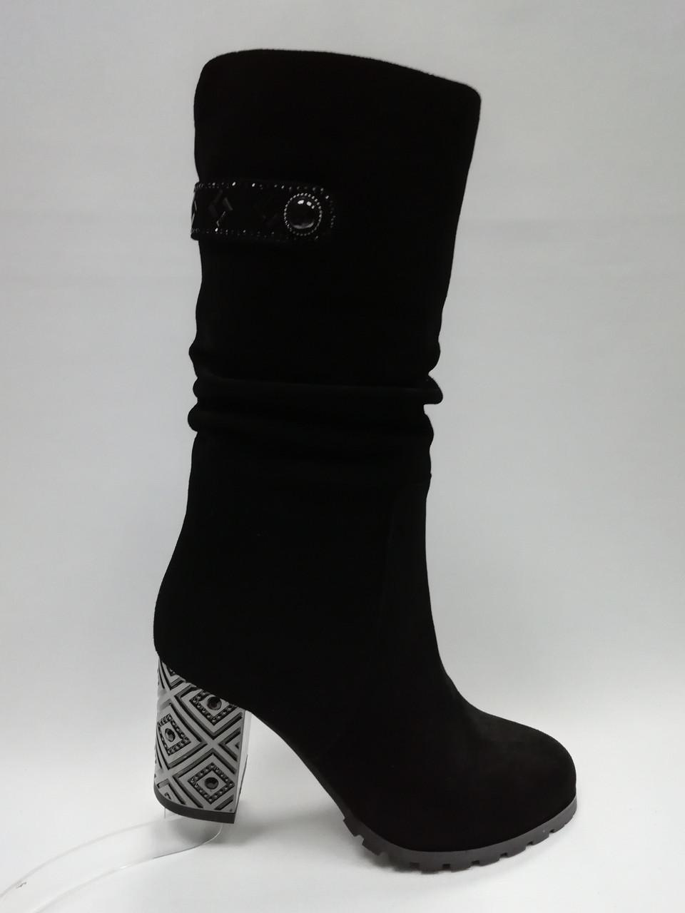 Черные замшевые зимние сапоги. Маленькие размеры (33-35).