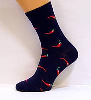 Высокие яркие женские носки с перцами чили темно-синего цвета