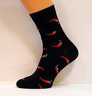 Мужские прикольные высокие носки с перцами черного цвета
