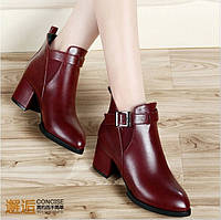 Стильные утепленные  ботинки  2 цвета на низком каблуке, фото 1