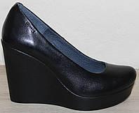 Женские туфли кожаные на высокой танкетке от производителя модель НИК818К, фото 1