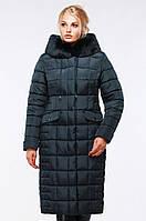 Оригинальное стеганое пальто полуприталенного кроя
