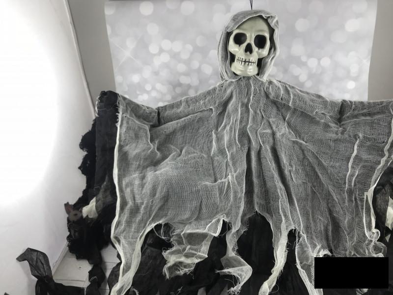 Декорации к празднику Хэллоуин Halloween подвеска скелет призрак 80*55 см