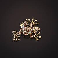 Брошь золотистая Лягушка стразы хамелеон 2,7см