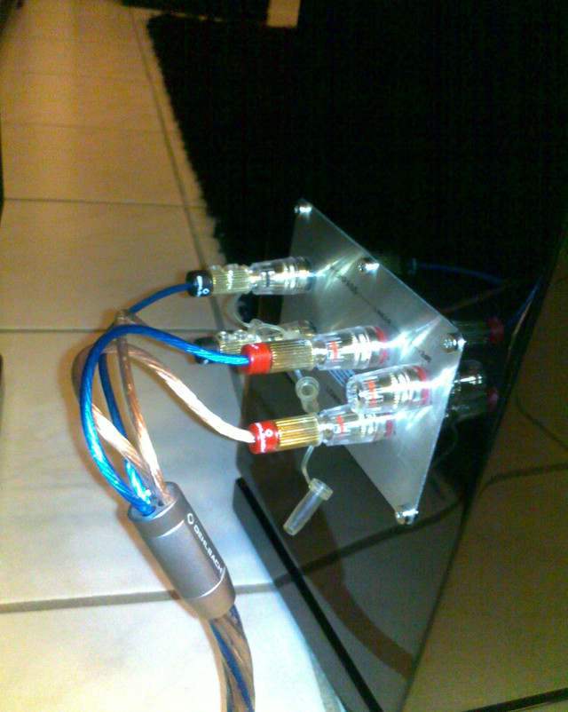 HECO Celan GT 702 Black bi-wiring