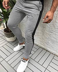 Спортивні чоловічі штани сірі з чорними смугами