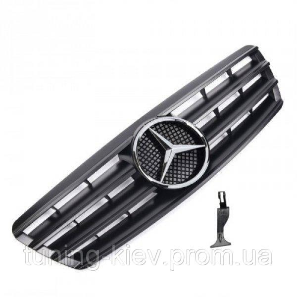 Решетка радиатора Mercedes C-Class W203 в стиле AMG черная матовая с оригинальной звездой 3 полоски