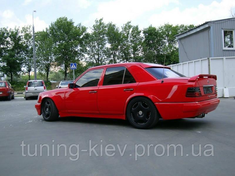 Бленда (спойлер на заднее стекло) Mercedes W124