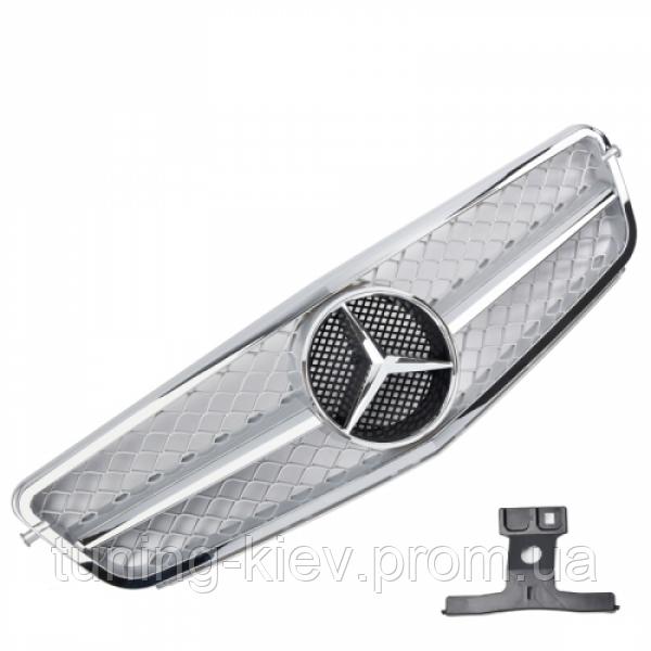 Решетка радиатора Mercedes W204 стиль C63 AMG серебряная с хромом