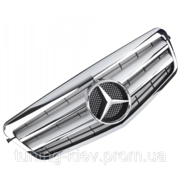 Решетка с эмблемой Mercedes W212 серебряная с хромом