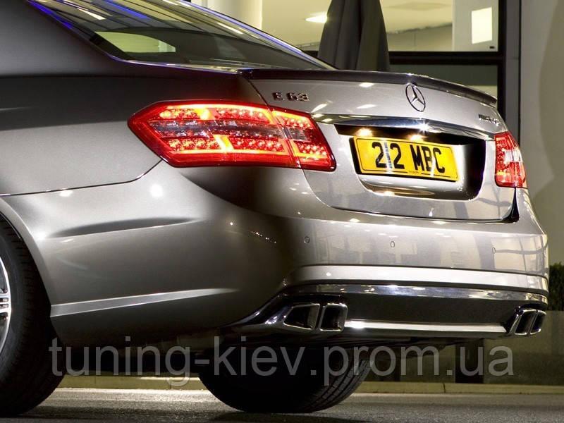 Спойлер Mercedes W212 AMG стекловолокно