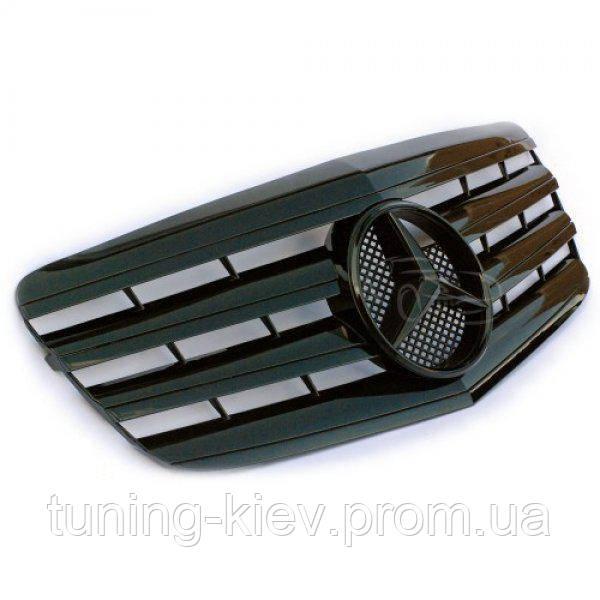 Решетка радиатора Mercedes W211 стиль AMG FL черная глянцевая с черной звездой