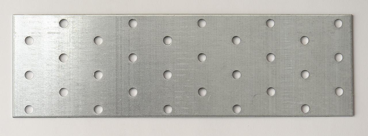 Пластина перфорированная 40х100 х 1,8 мм
