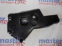 Направляющая переднего бампера левая / правая (кронштейн крепления) на Рено Мастер Renault Master 2003-2010