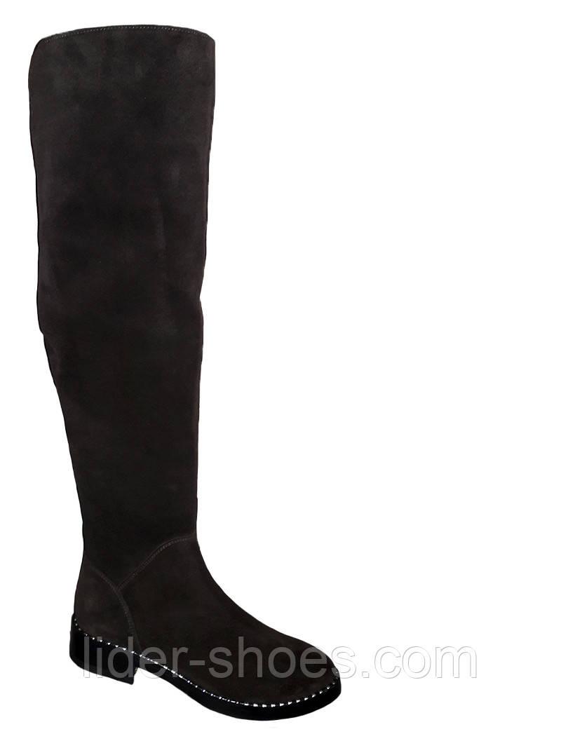 Замшевые женские ботфорты на низком каблуке